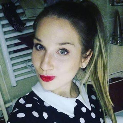 Bernadett, 25 éves társkereső nő - Budapest